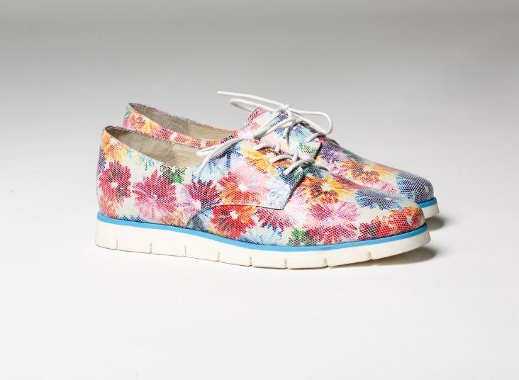 Обувь с цветочным принтом от Юничел