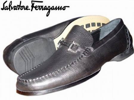Salvatore Ferragamo (Сальваторе Ферагамо) Официальный сайт.